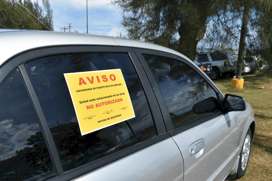 Estacionamientos en la UPR en Arecibo son desproporcionados a la demanda del estudiantado